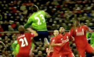Lucas out-jumped by Gastón Ramírez 1